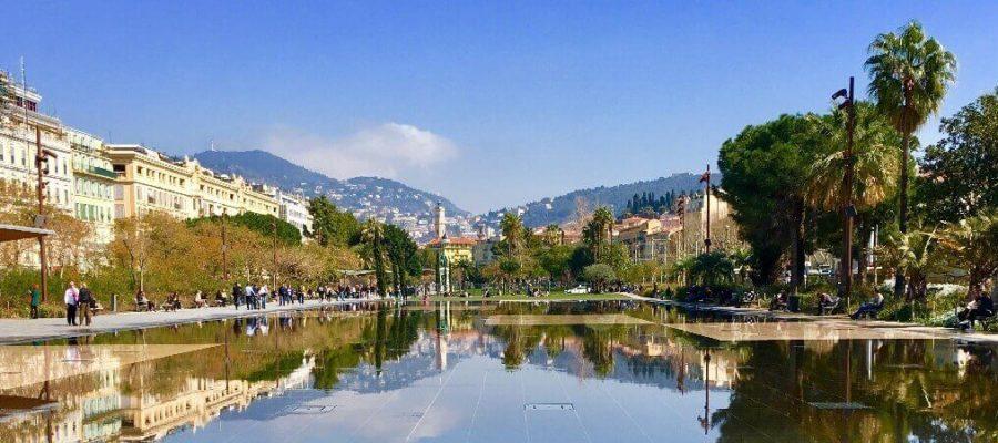 Ницца (Nice) — олицетворение Прекрасной эпохи.