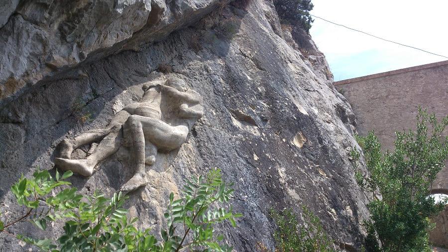 Любовь на камне