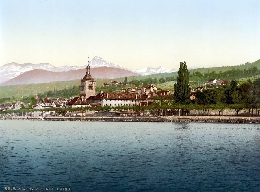 Эвиан-ле-Бен (Evian-les-Bains): вода, Женевское озеро, Франция и Швейцария.