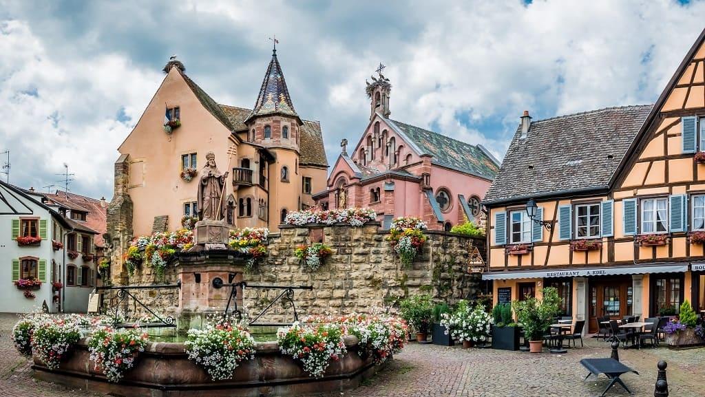 Эгисхайм (Eguisheim). Самая любимая деревня французов 2013 года.