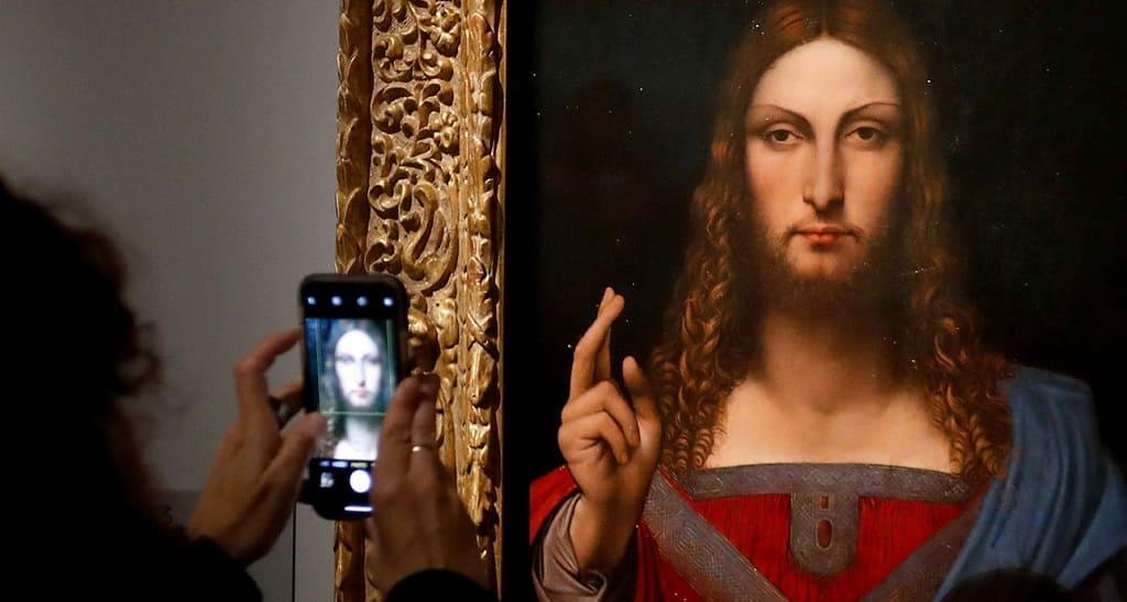 Грандиозная и долгожданная выставка Леонардо да Винчи открылась в Лувре.