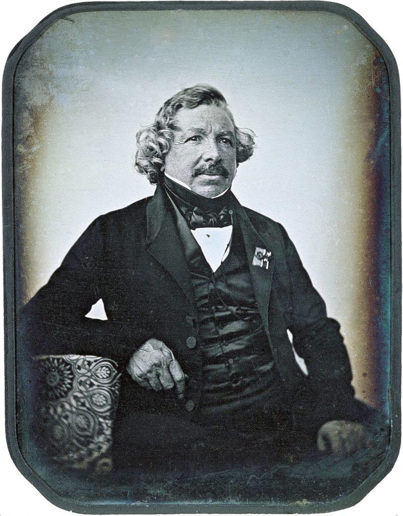 18 ноября 1787 года родился Луи Дагер.